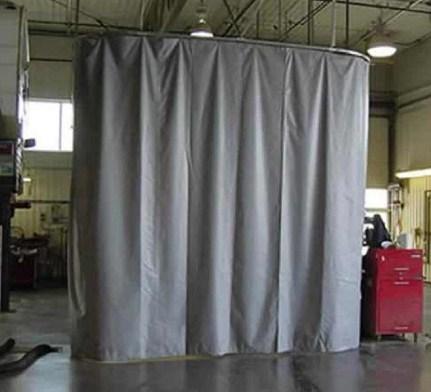 cortina acustica fabricada para la industria